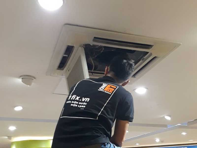 Vệ sinh máy lạnh trung tâm