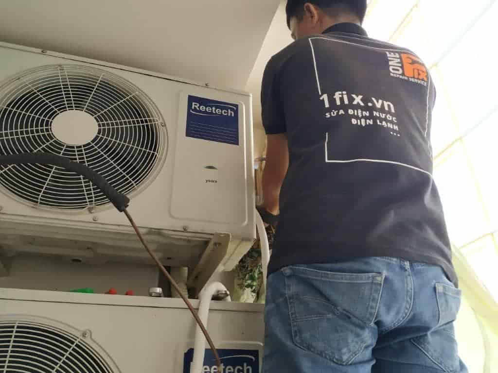 Dịch Vụ Vệ Sinh Máy Lạnh tại quận 2 -  Thợ Rửa Máy Lạnh Quận 2
