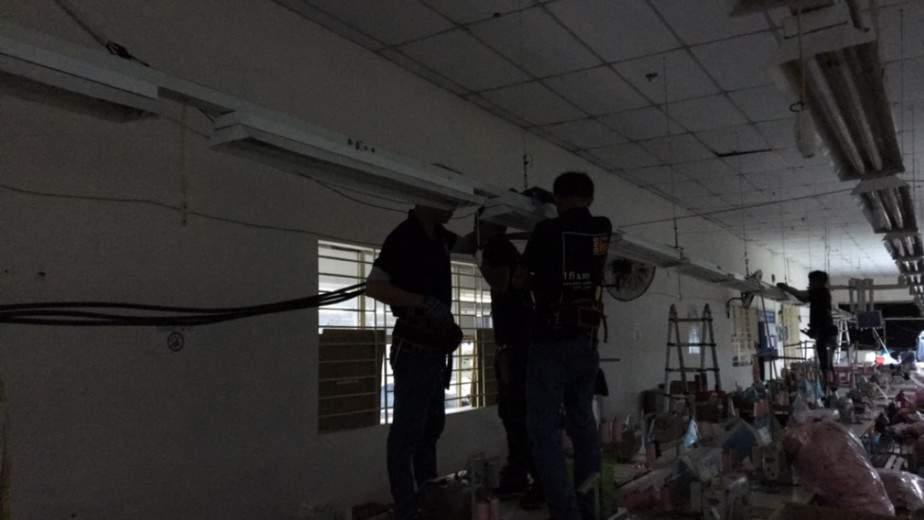 Sửa chập điện 3 pha tại nhà xưởng, làm trong đêm để khắc phục sự cố nhanh chóng cho khách hàng.