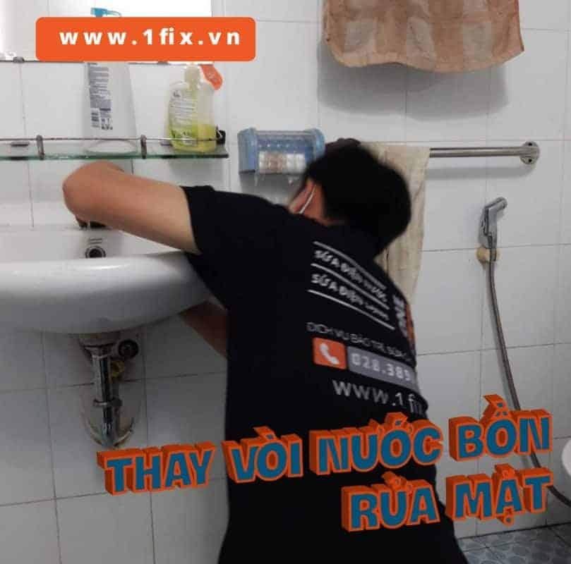 Thay vòi nước lavabo tại nhà