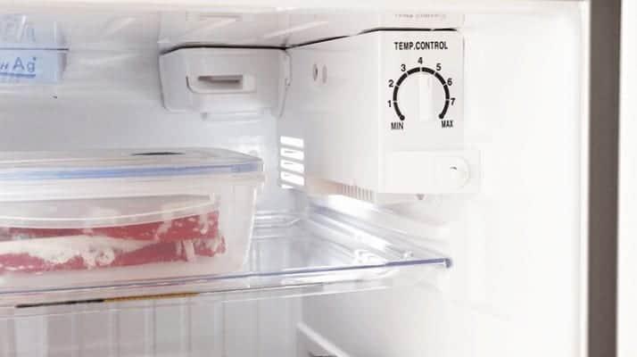 tủ lạnh gây ra tiếng ồn