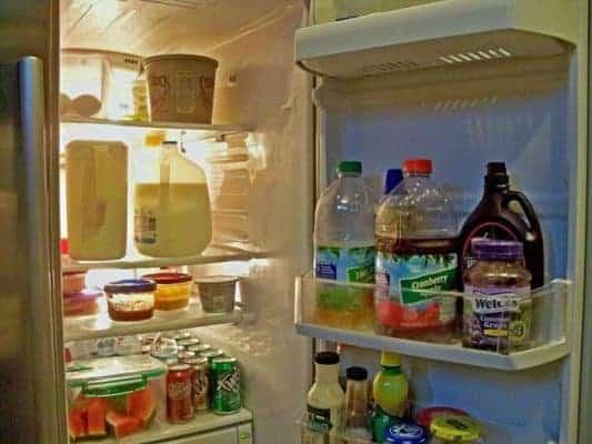 tủ lạnh sáng đèn nhưng không chạy