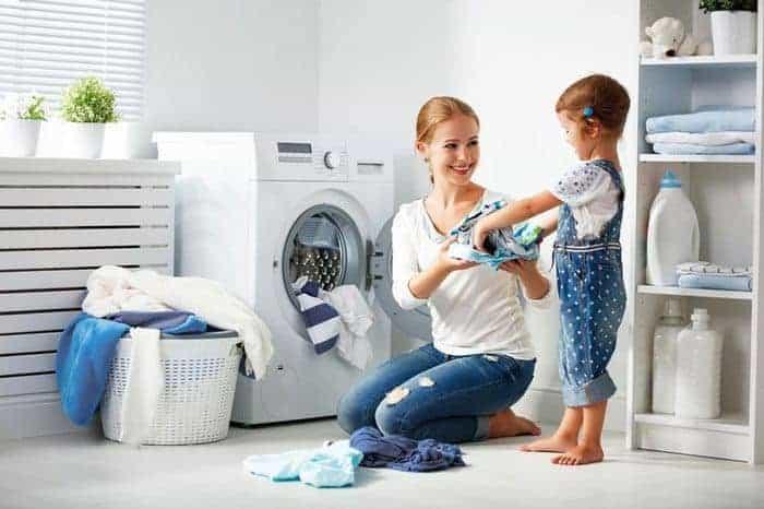 Hướng dẫn cách vệ sinh máy giặt Midea và vệ sinh lồng giặt Midea