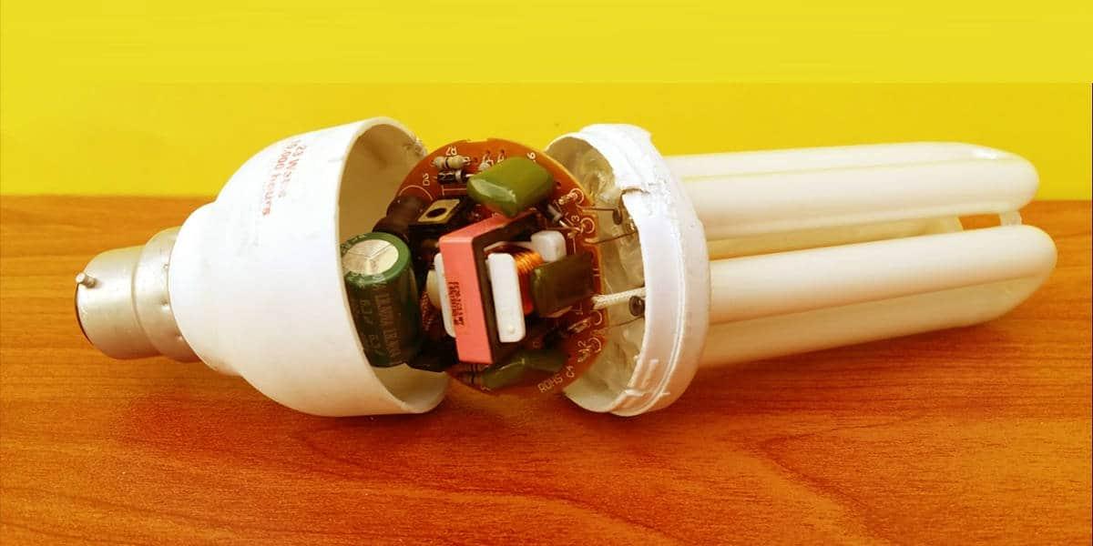 Sửa bóng đèn compact