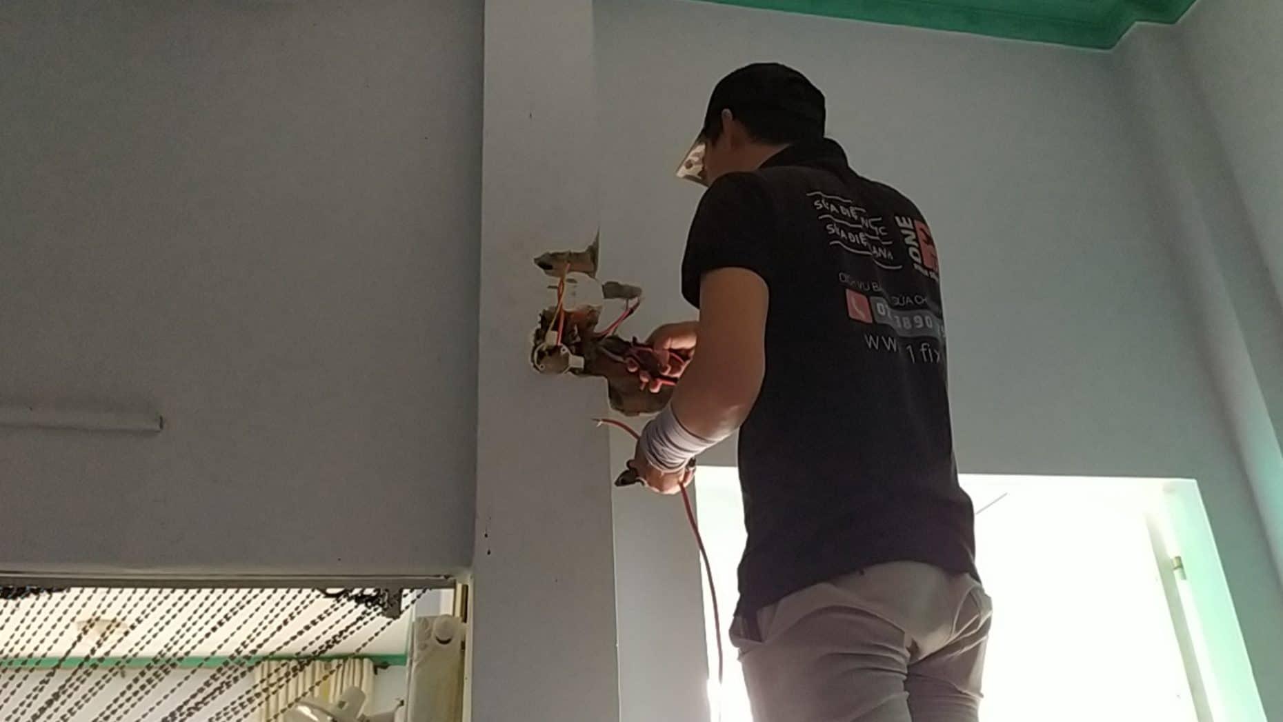 Sửa chữa aptomat bị nổ, aptomat bị nóng tại nhà