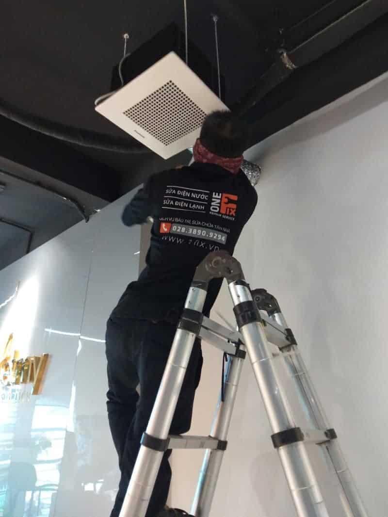 Tháo lắp máy lạnh quận Tân Phú - Thợ lắp đặt máy lạnh quận Tân Phú