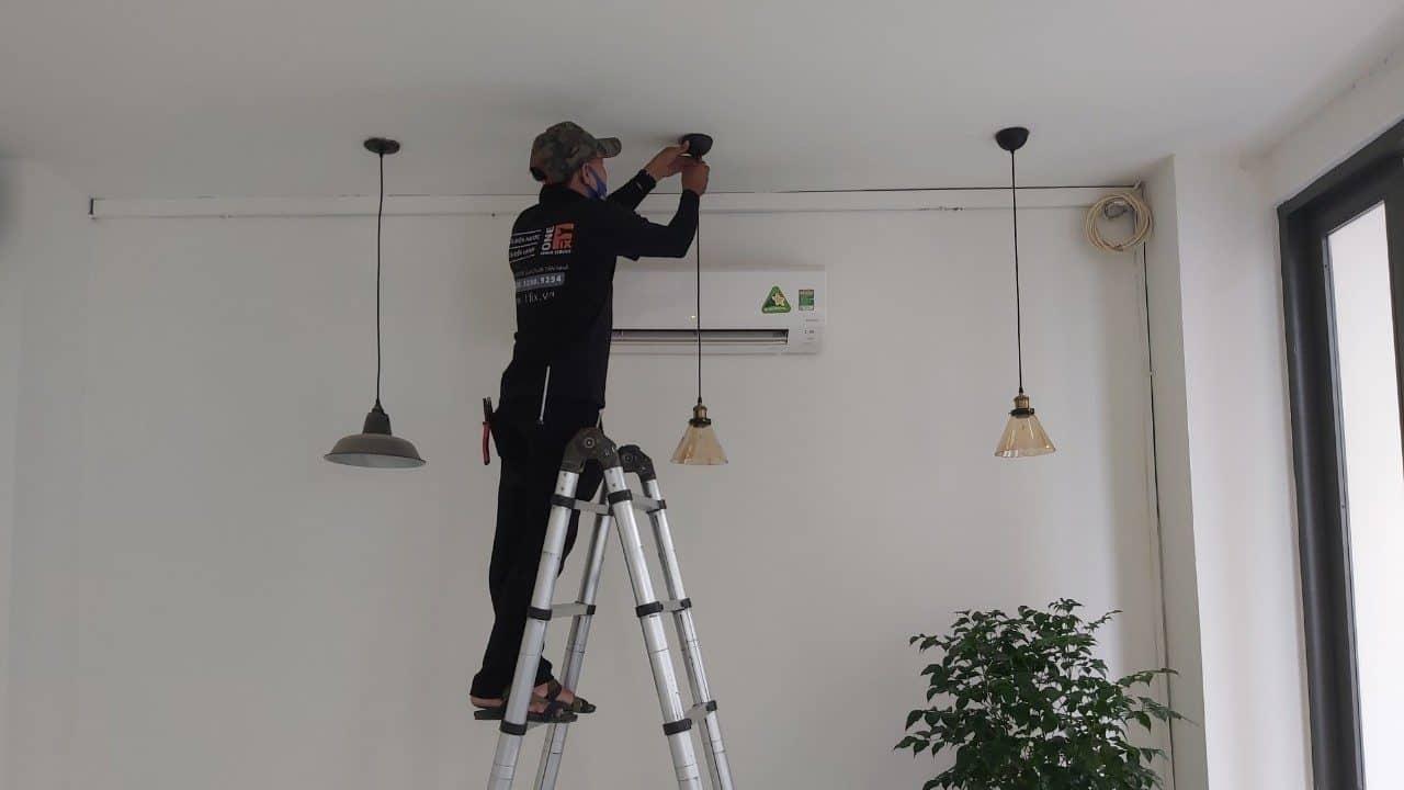 Sửa chữa nhà - lắp đèn trang trí