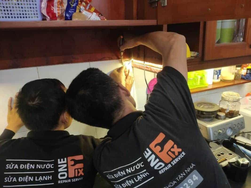 Cách lắp đèn led cho tủ bếp