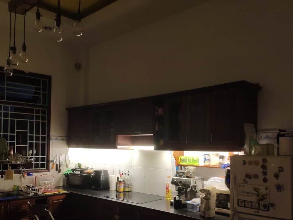 Dịch vụ lắp đèn led cho tủ bếp