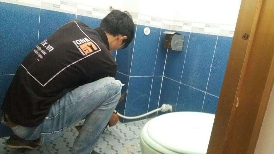Dịch vụ xử lý bồn cầu rút nước chậm tại nhà