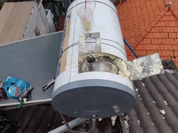 Sửa máy nước nóng năng lượng mặt trời quận 2