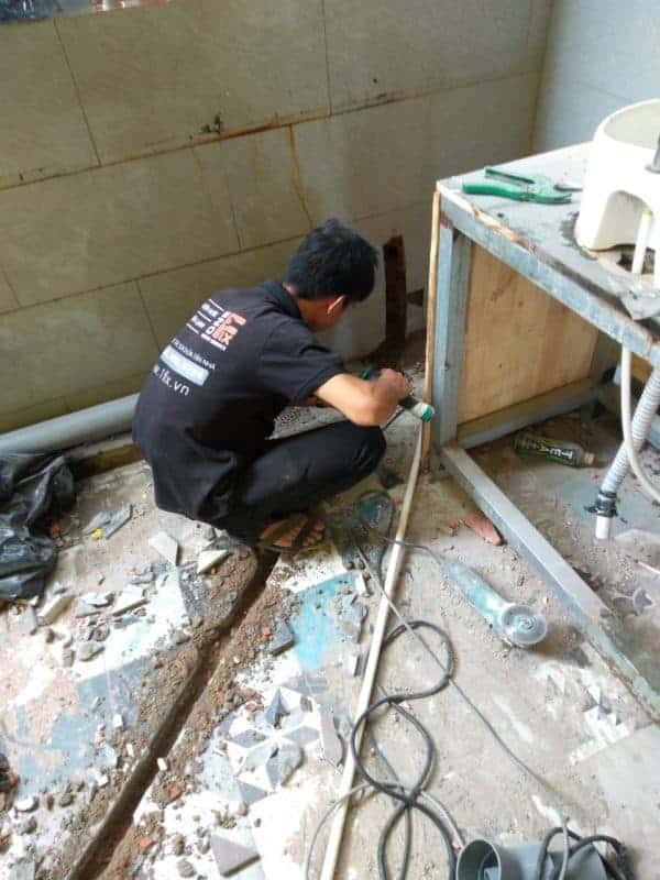Cách lắp đặt ống thoát nước mưa cho các kho hàng lớn