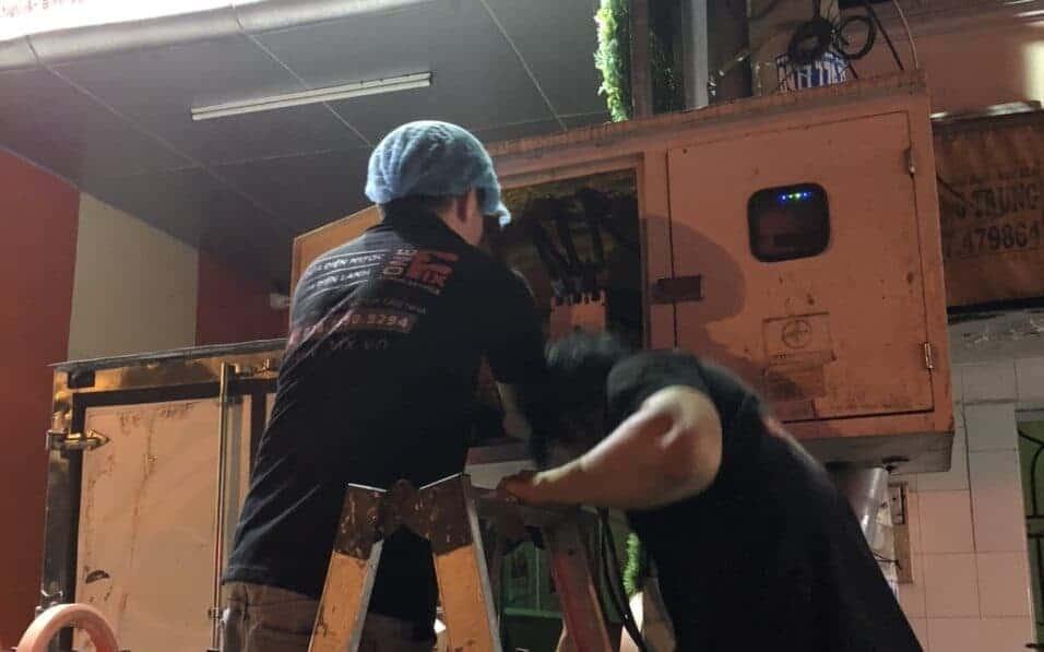 thợ sửa cầu dao điện chuyên nghiệp