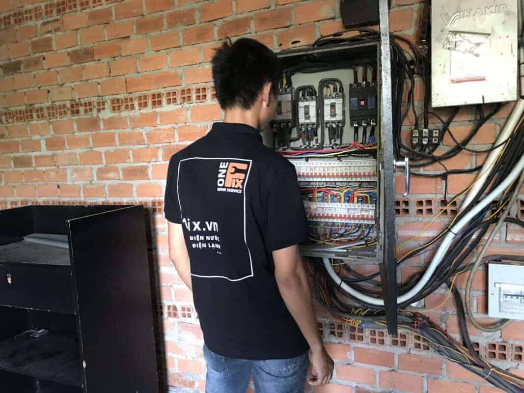 Cách chọn công tơ điện 3 pha gián tiếp EMIC