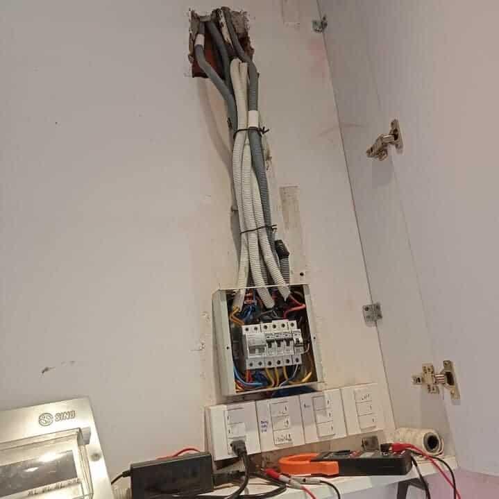 ống luồn dây điện