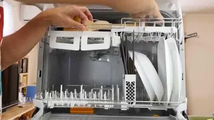 Dịch vụ lắp đặt máy rửa bát Electrolux giá rẻ - Lắp đặt máy rửa chén Electrolux tại nhà