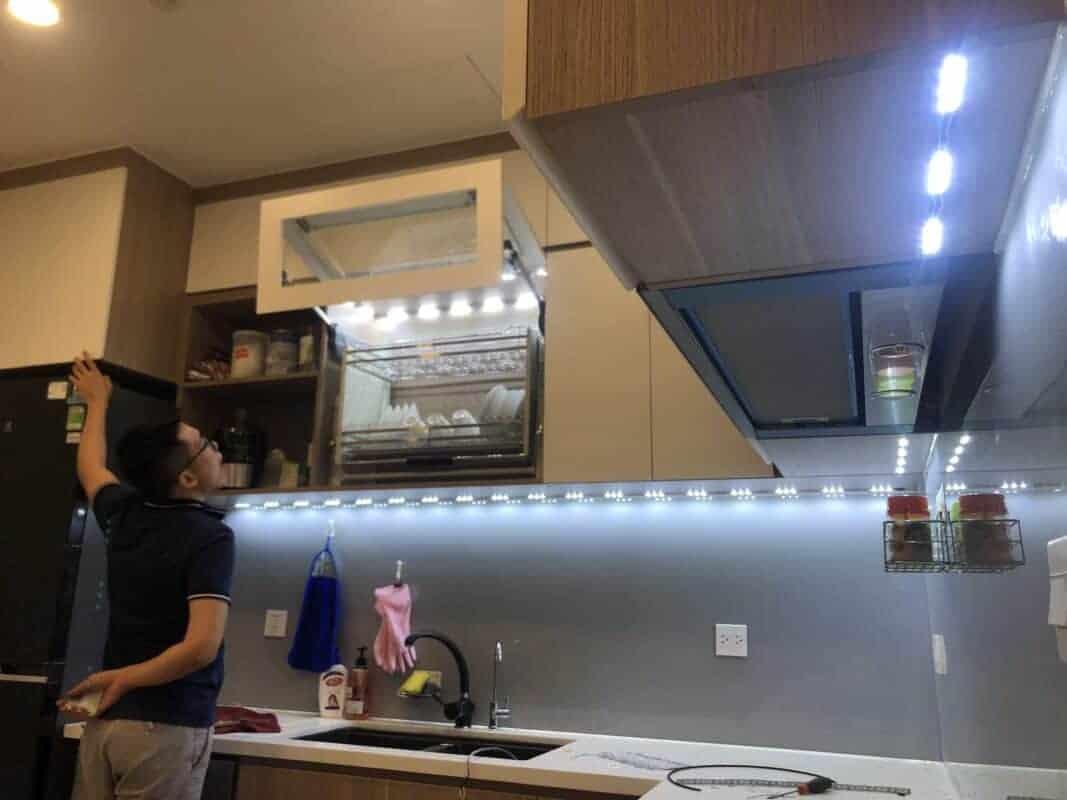Cách gắn đèn led dây trang trí