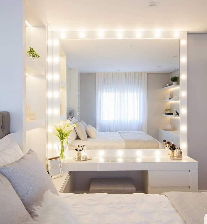 lắp đèn trang trí phòng ngủ