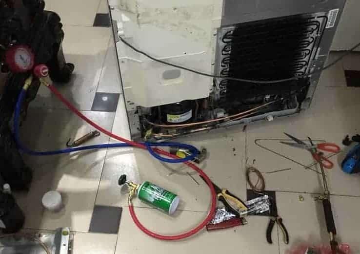 sửa tủ lạnh bị rò điện