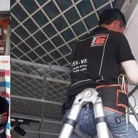 Thợ sửa điện Nhà Bè